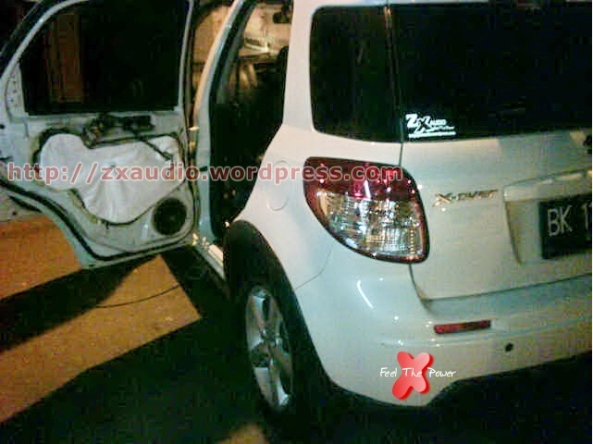 Pemasangan Peredam Akustik  Pintu Mobil Suzuki SX4 (X-Over) by Peredam Suara Mobil (ZX Audio)