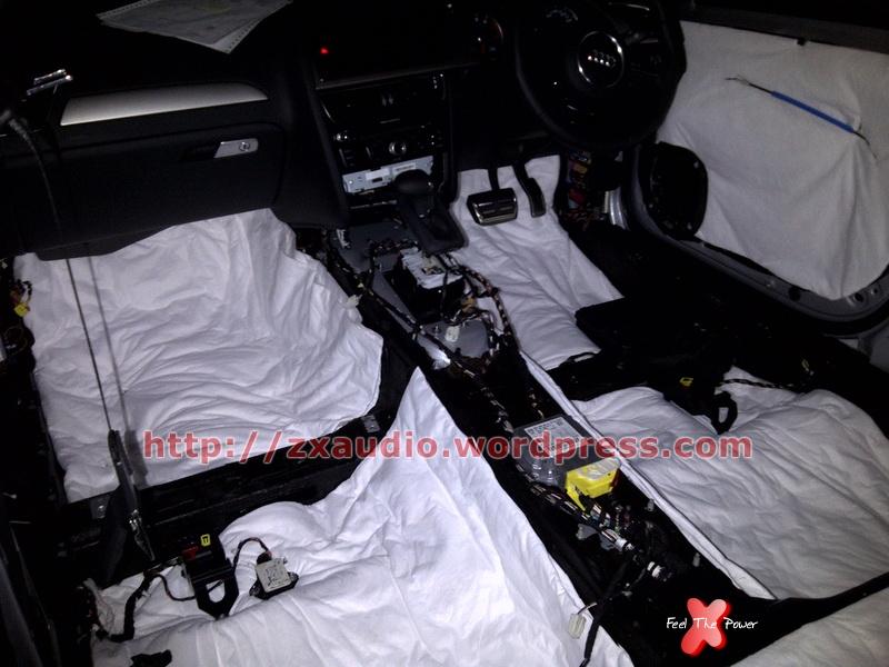 Peredam Bagasi Audi A4