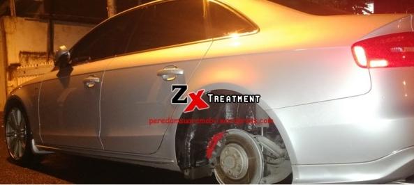 Pelapisan Peredam Cair Juga Dilakukan Pada Roda Belakang Mobil Audi A4 oleh Peredam Mobil ZX Audio