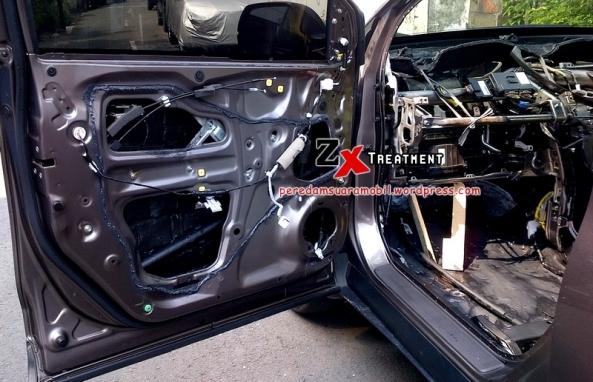 Pemasangan Peredam Pintu Mobil All New CR-V Coklat by Peredam Suara Mobil ZX Audio
